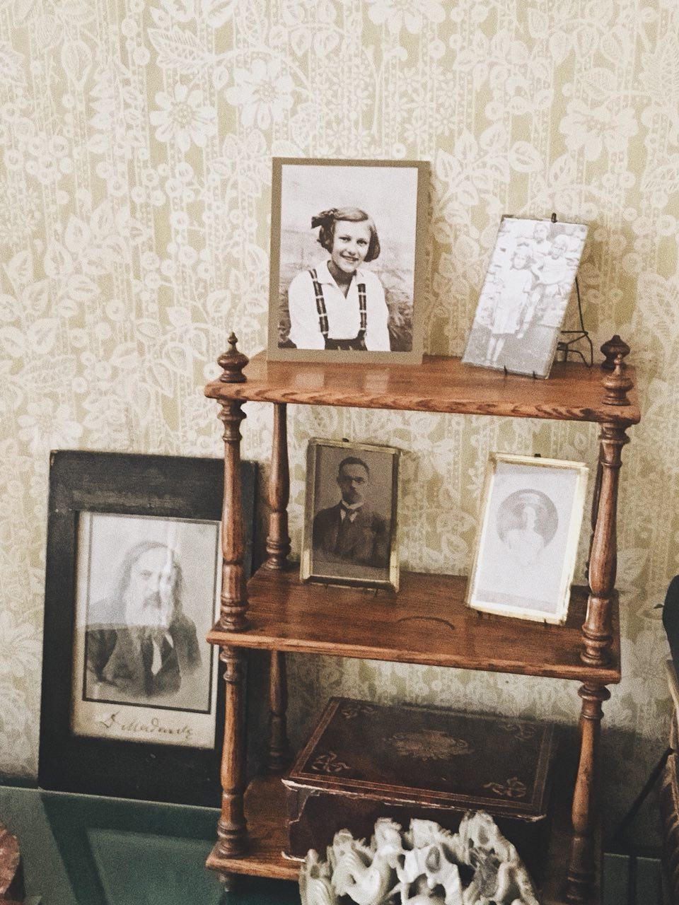 3 истории: бабушка и сверток, туалет в электричке и грудь.